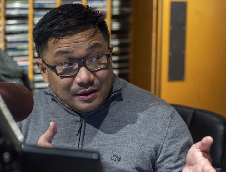 Chester Pangan at CKJS 810 AM for his Saturday morning radio show, Tunog Pinoy Pang-Sabado.